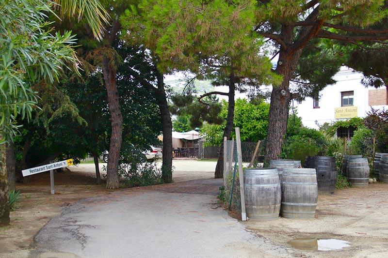 camí-entrada-Restaurant-Sant-Antoni-Premià-de-Dalt-Mar