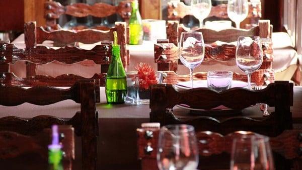 Casa-de-Pagès-menjador-amb-ventanal-Restaurant-Sant-Antoni-Premià-de-Dalt-Mar