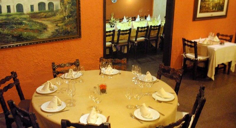 Taula-rodona-Restaurant-Sant-Antoni-Premià-de-Dalt-Mar