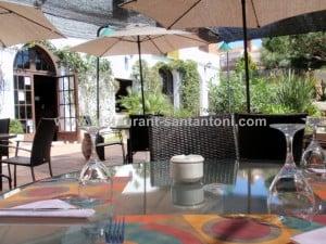 taula-rodona-terrassa-restaurant-sant-antoni-premià-de-dalt-mar-mareme-barcelona
